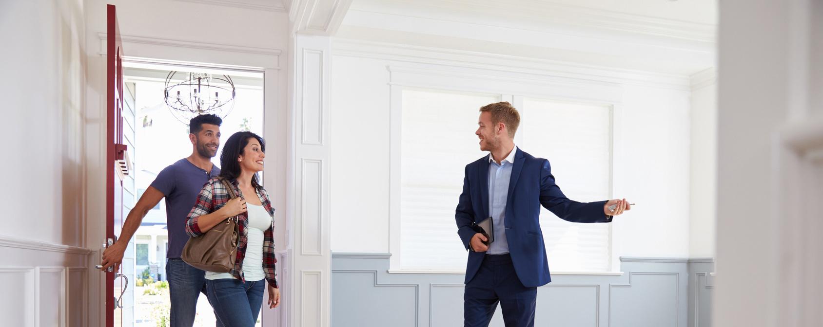 Agent immobilier peut exercer et recevoir sa carte T grâce à sa formation Loi Alur